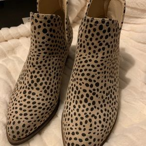 Cheetah beige ankle boots